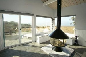 vacation-home-rental-in-bodega-bay-fireplace