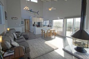 vacation-home-rental-in-bodega-bay-front-room-2