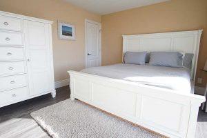 vacation-home-rental-in-bodega-bay-master-bedroom-1